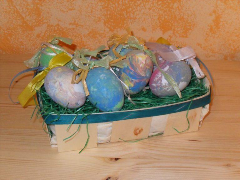 Marmorierte Ostereier aus Kinderhand