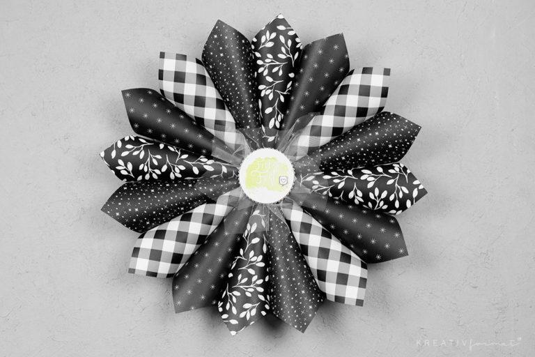 Kranz aus Papiertüten – Schwarz & Weiß
