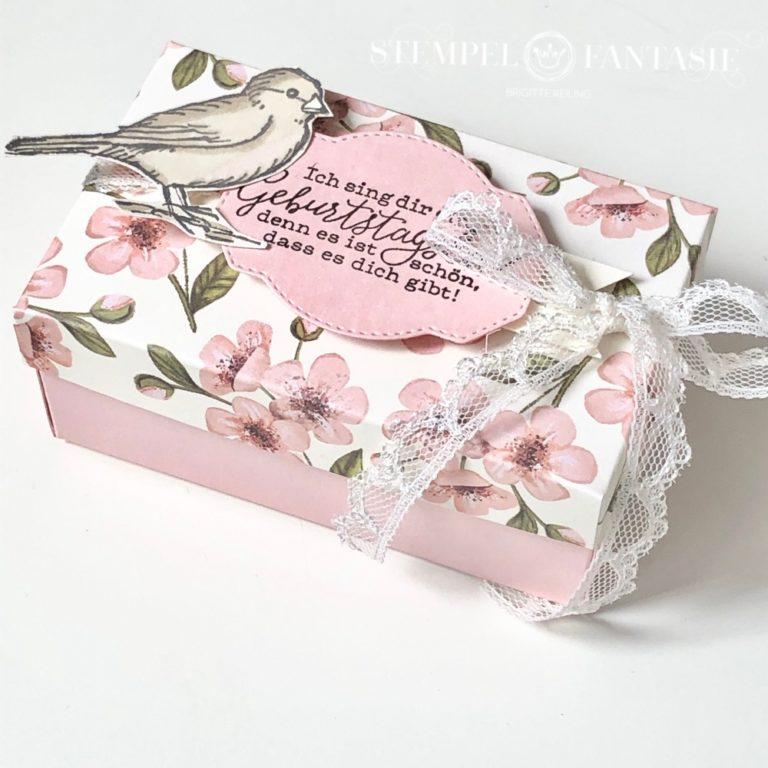 Zarte, blumige Box aus Paper Pumpkin-Set