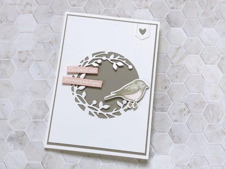 Umarmung aus Papier – eine Karte für einen lieben Menschen!