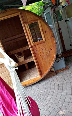 Das Hexenhaus hat nun ein Saunahaus
